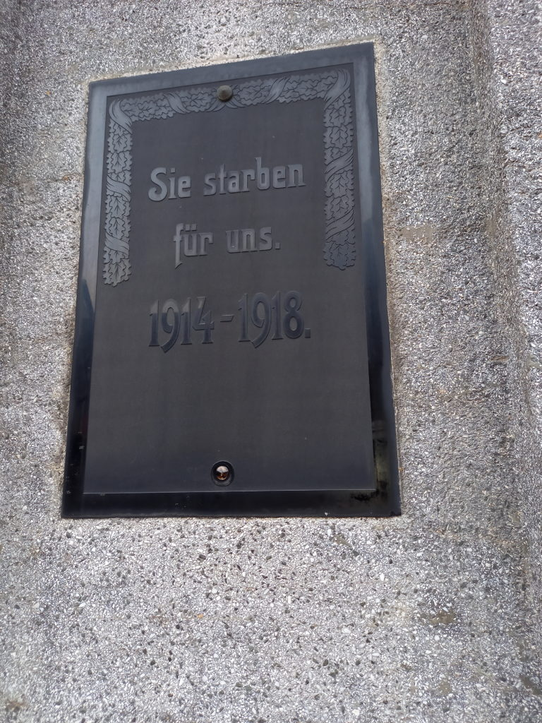 2020 11 10 Abnahme Kriegerdenkmal Evkirche 2